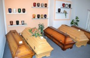 Bestattungsinstitut Martin Dobes und Jutta Hanusa in Bernburg
