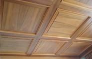Deckensystem dunkles Holz