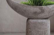 Pflanzenschale mit Sockel aus Stein von Steinwerkstatt Lepper in Ratingen