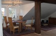Speiseraum und Salon im Obergeschoss der Pension Kawa in Delmenhorst