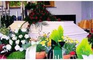 Das Bestattungshaus Engelhardt bietet die traditionelle Erdbestattung an