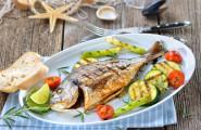 gebratener Fisch mit Gemuese