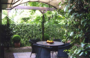 Gartenterasse von Atelier Bettina Georgius Interior & Exterior Design in Hamburg