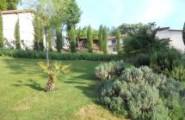 Garten von Anwesen in Frankreich von Immobilien Maria Graumann in Niederkassel