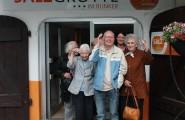 Ein ambulanter Pflegedienst unterstützt hilfsbedürftige Menschen in ihrer vertrauten Umgebung