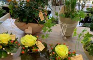 Geschenkidee zum Muttertag aus Blumen.