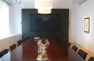 Konfrenzraum mit Tisch von Werkstätten Kilb GmbH in Nauort
