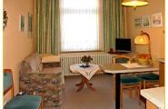 Wohnung 2 - Wohnraum mit Schlafsofa von Haus Gerrelts auf Norderney