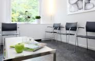 Wartezimmer der Zahnärztlichen Privatpraxis Dr. Brigitte Simon in Stuttgart