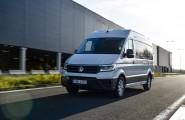 Die Mitarbeiter vom Autoglas Center in Duisburg sind seit über 20 Jahren mit Expertise rund um das Auto für Sie da