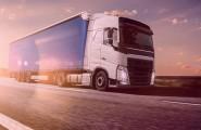 Truck auf Autobahn