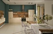 Küche mit Esstisch von KOW Design GmbH in Berlin