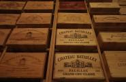 Weinkisten mit verschiedenen Weinsorten